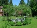 Зеленая садовая беседка